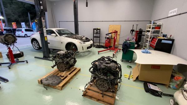 フェアレディZのエンジン載せ替えです^ ^